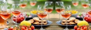 Table, couverts et verres vin rosé
