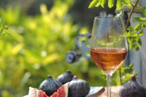 verre de rosé frais