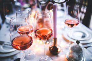 Table couverts verre vins Rosé