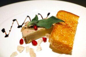 Assiette de tranches de foie gras