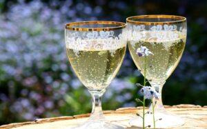 2 coupes à champagne,