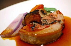 assiette de foie gras cuit,