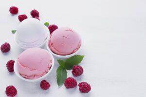 Glace vanille fraise artisanale,