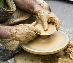 Travail de la céramique,